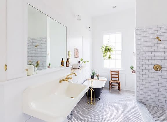 Massey designed an open concept bathroom with lots of natural light. (Courtesy of Benjamin Massey)