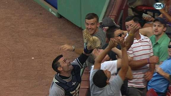 Yankees catcher Chris Stewart turns great catch into unlikely double play