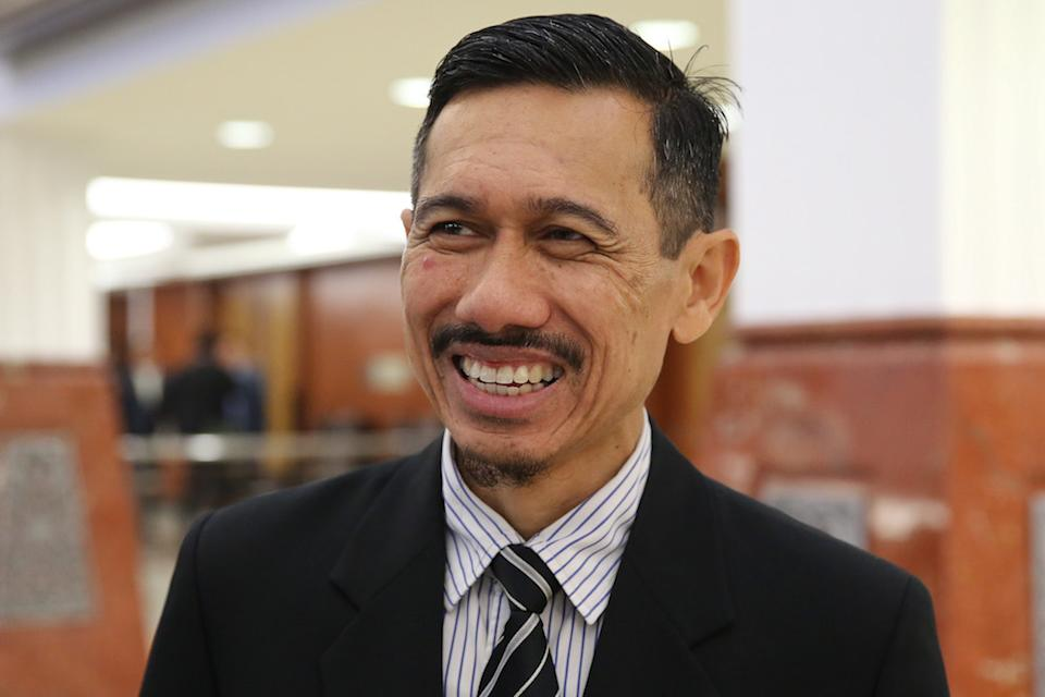 Enforcement Agency Integrity Commission (EAIC) chief executive Mohamad Onn Abdul Aziz at the Dewan Rakyat ahead of the IPCMC Bill second reading at Parliament October 7, 2019. — Picture by Yusof Mat Isa