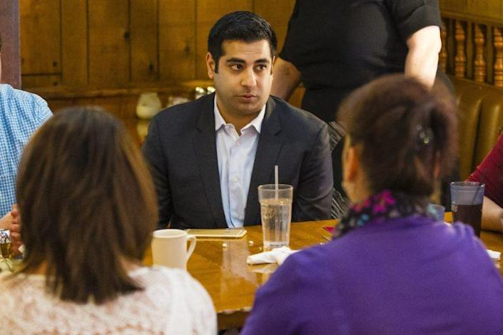 Adam Ansari, the Chicago lawyer advising Roberto Beristain's family, talks about the case at Beristain's restaurant in Granger, Ind., on March 8. (Photo: Michael Caterina/South Bend Tribune via AP)