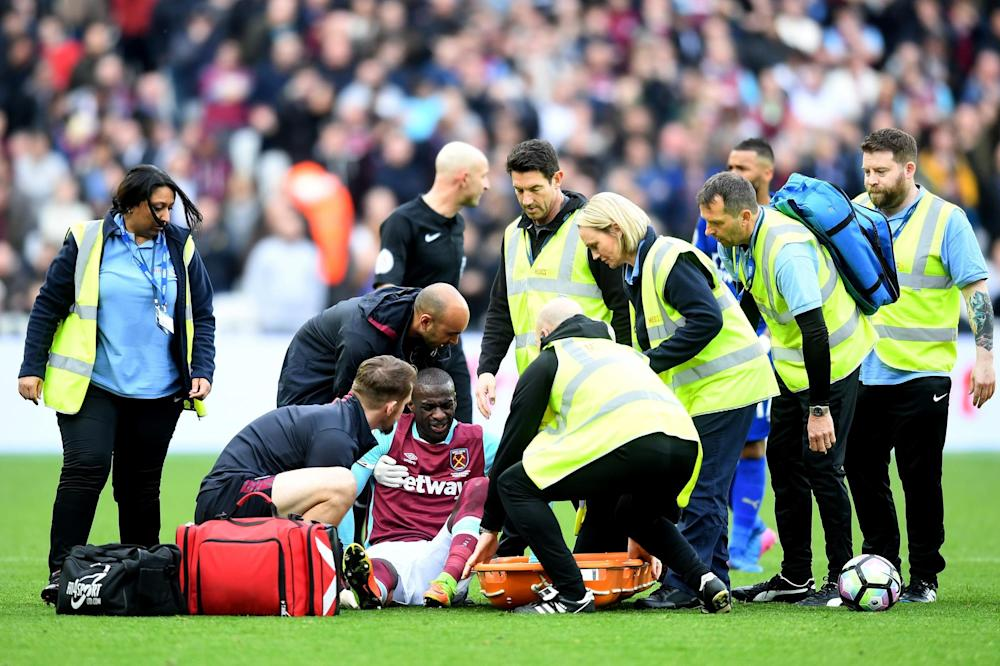 Incident | Obiang receives treatment from the medical team during the match between West Ham and Leicester City: Michael Regan/Getty Images