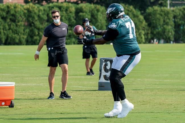 Jason Peters back at left tackle for the Eagles
