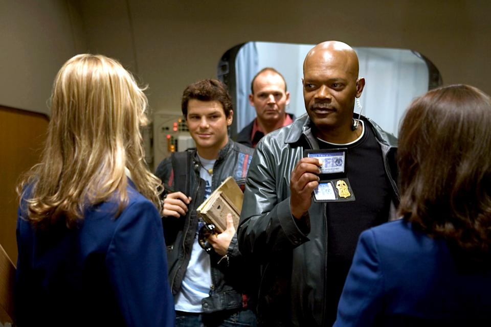 Nathan Phillips and Samuel L. Jackson in 'Snakes on a Plane' (Photo: New Line Cinema / Courtesy: Everett Collection)