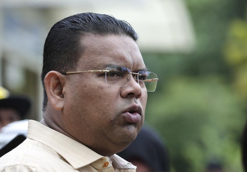 Umno supreme council member Datuk Lokman Noor Adam had claimed that the Attorney-General was appointed by the Pakatan Harapan government to sue the Malay rulers. — Picture by Azneal Ishak