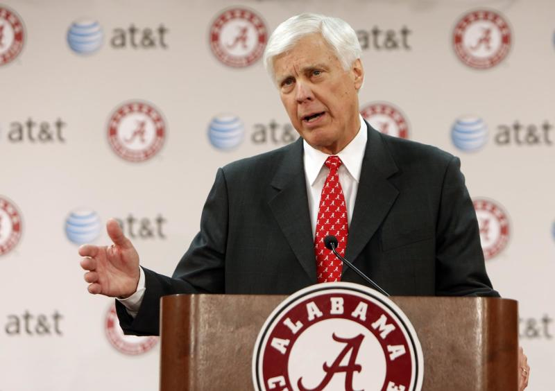 Bill Battle gestures during a news conference after being introduced as the new athletic director at the University of Alabama Friday March 22, 2013 in Tuscaloosa, Ala.  (AP Photo/The Tuscaloosa News, Robert Sutton)