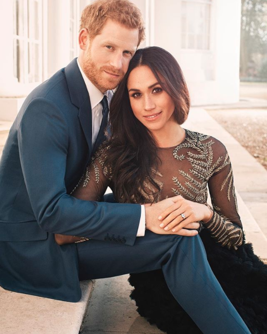 Prince Harry and Meghan Markle have marked their engagement with an official photo shoot. Photo: Twitter/KensingtonRoyal