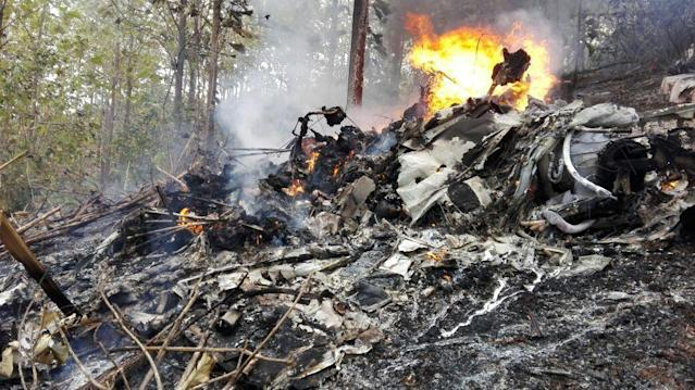 <p>This photo released by Costa Rica's Civil Aviation press office shows the site of a plane crash in Punta Islita, Guanacaste, Costa Rica, Sunday, Dec. 31, 2017. (Photo: Costa Rica's Civil Aviation press office via AP) </p>