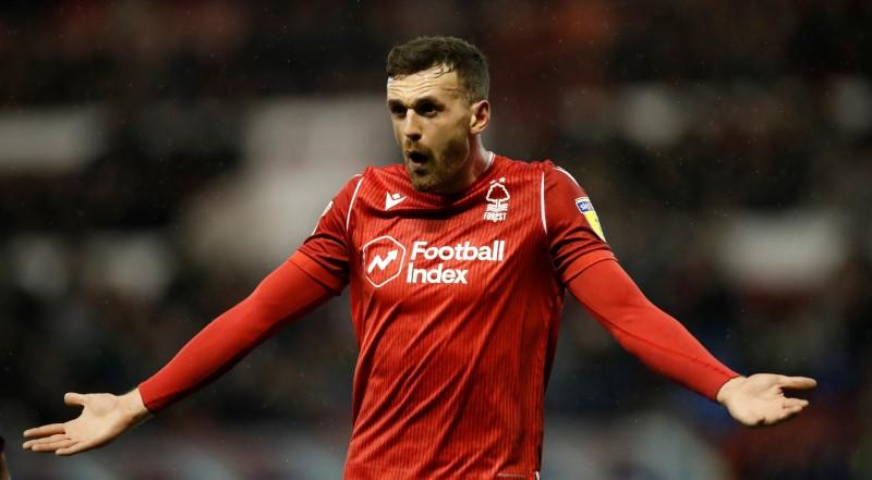 Sheffield United sign defender Robinson from Nottingham Forest