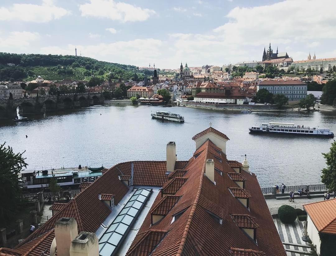 Priyanka Chopra switches her traveller mode on after landing in picturesque Prague