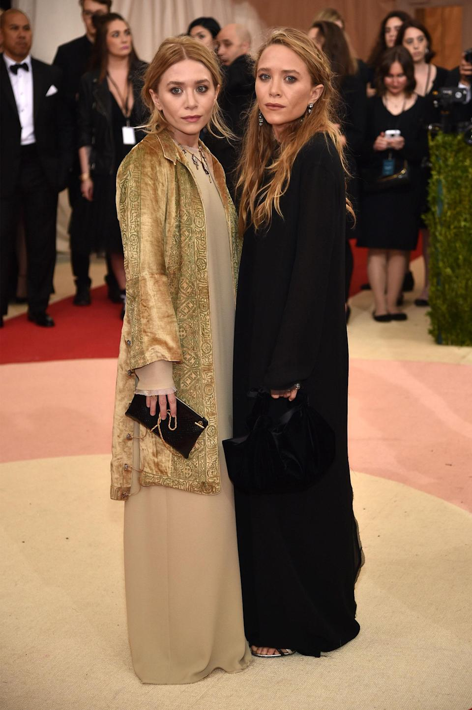 """<h1 class=""""title"""">Mary-Kate Olsen and Ashley Olsen, both in Fred Leighton jewelry</h1> <cite class=""""credit"""">Photo: Getty Images</cite>"""