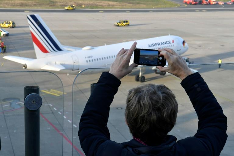 Air France flight AF1235 to Paris was the last plane to leave Tegel