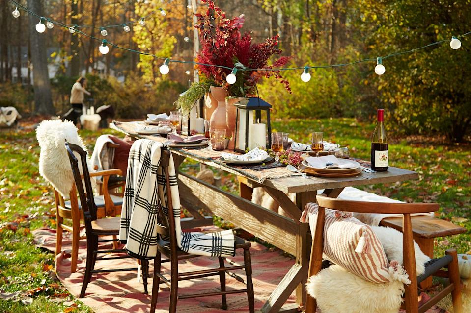 """<p>Once fall comes around, it's time to trade al fresco dining for cozy <a href=""""https://www.goodhousekeeping.com/food-recipes/easy/g926/easy-fall-dinner-recipes/"""" rel=""""nofollow noopener"""" target=""""_blank"""" data-ylk=""""slk:indoor meals"""" class=""""link rapid-noclick-resp"""">indoor meals </a>with family and friends. That means you're likely going to be on the hunt for easy decor ideas to upgrade your dinner table, and the best place to start is with your centerpiece. Believe it or not, fall centerpieces don't have to be fussy. You can easily create an inviting arrangement with everything from leaves boasting fall hues to <a href=""""https://www.goodhousekeeping.com/holidays/halloween-ideas/g1714/no-carve-pumpkin-decorating/"""" rel=""""nofollow noopener"""" target=""""_blank"""" data-ylk=""""slk:vibrant pumpkins"""" class=""""link rapid-noclick-resp"""">vibrant pumpkins</a> and <a href=""""https://www.goodhousekeeping.com/life/entertainment/g34862781/best-scented-candles/"""" rel=""""nofollow noopener"""" target=""""_blank"""" data-ylk=""""slk:affordable candles"""" class=""""link rapid-noclick-resp"""">affordable candles</a>. If you love nothing more than entertaining, click through for 15 stylish table centerpieces that showcase the beauty of autumn. <br></p>"""
