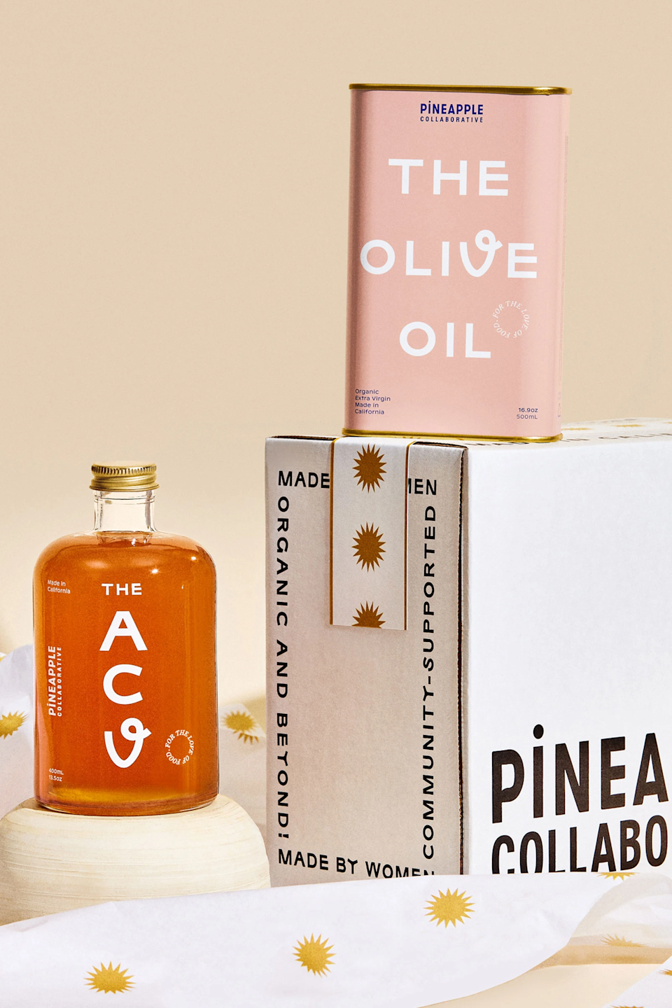"<h2>Pineapple Collaborative The Pantry Set</h2><br>Have you seen a prettier duo? This olive oil and apple cider vinegar combo is made with produce that is sustainably harvested by female farmers. <br><br><strong>Pineapple Collaborative</strong> The Pantry Set, $, available at <a href=""https://go.skimresources.com/?id=30283X879131&url=https%3A%2F%2Fwww.pineapplecollaborative.com%2Fproducts%2Fthe-pantry-set"" rel=""nofollow noopener"" target=""_blank"" data-ylk=""slk:Pineapple Collaborative"" class=""link rapid-noclick-resp"">Pineapple Collaborative</a>"