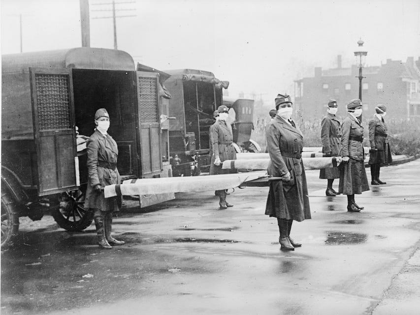 """Members of the St. Louis Red Cross Motor Corps on duty. <p class=""""copyright"""">Library of Congress</p>"""