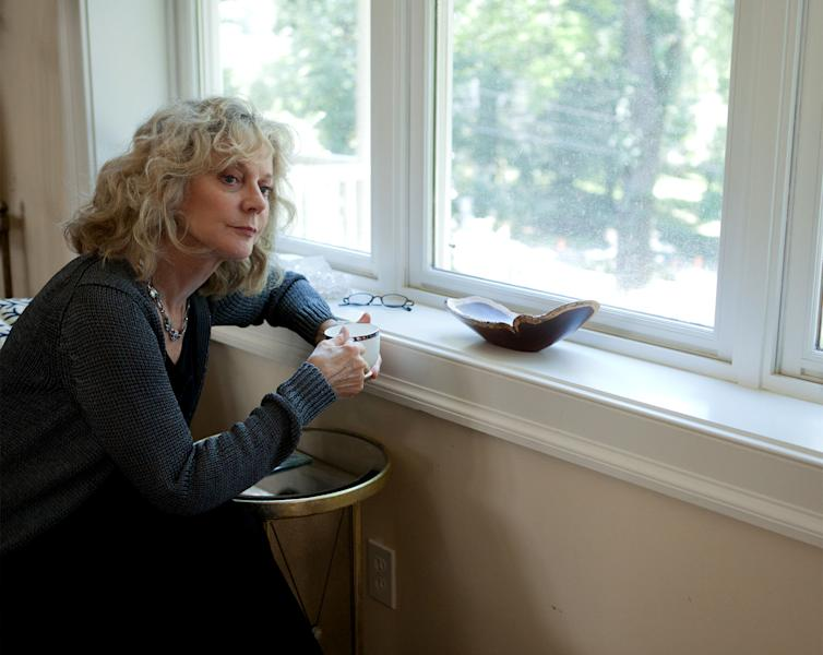"""This film image released by Oscilloscope Laboratories shows Blythe Danner in a scene from """"Hello I Must Be Going."""" (AP Photo/Oscilloscope Laboratories, Justina Mintz)"""