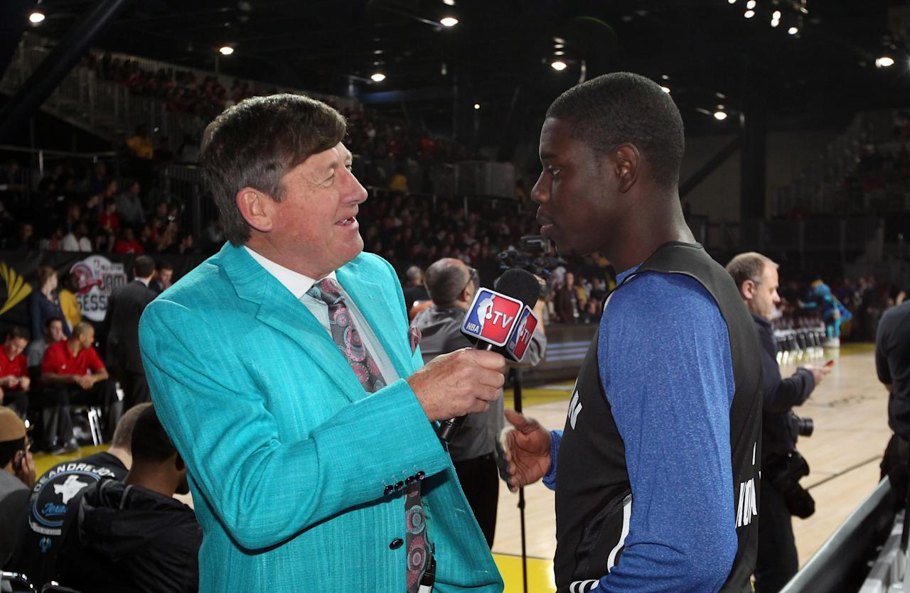 <p>3HOUSTON, TX - FEBRUARY 16: TNT sideline reporter Craig Sager interviews Jrue Holiday #11 of the Philadelphia 76ers during the NBA All-Star Practice in Sprint Arena during the 2013 NBA All-Star Weekend on February 16, 2013 at the George R. Brown Convention Center in Houston, Texas. NOTE TO USER: User expressly acknowledges and agrees that, by downloading and or using this photograph, User is consenting to the terms and conditions of the Getty Images License Agreement. Mandatory Copyright Notice: Copyright 2013 NBAE (Photo by Joe Murphy/NBAE via Getty Images)</p>