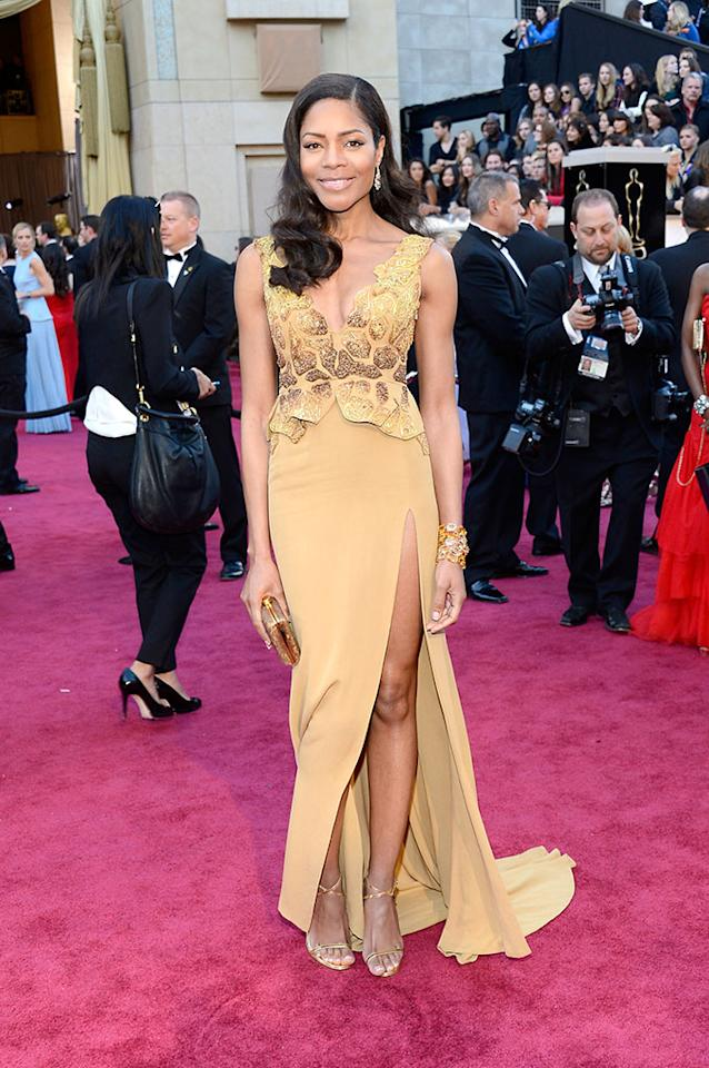 Naomie Harris arrives at the Oscars in Hollywood, California, on February 24, 2013.