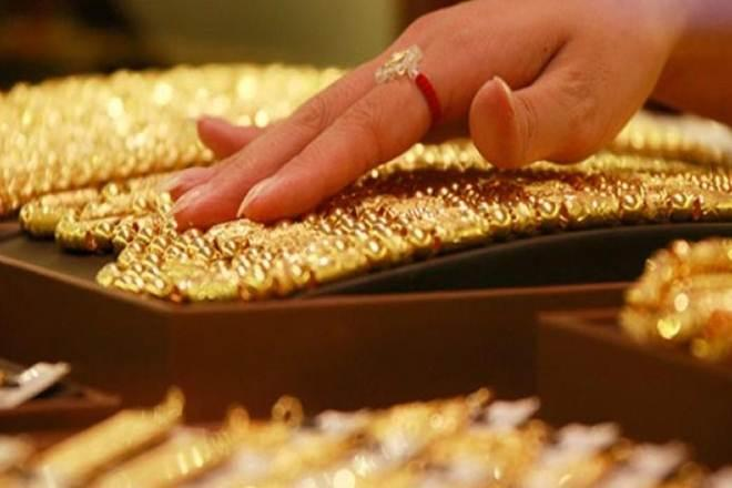 Gold price in India, gold returns in India, gold returns in last 10 years, Gold price will increase or decrease in india, gold price will increase in 2020