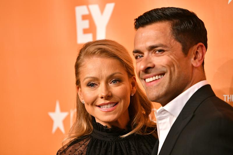 Mark Consuelos and Kelly Ripa looks stunning in all-round black outfits.
