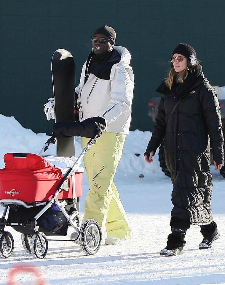 "Meanwhile, Seal and Heidi Klum proved they're serious about skiing. No stilettos here! You can see the ""Project Runway"" hostess back in designer duds when the show's new season begins January 14. Tomas-IONU/<a href=""http://www.x17online.com"" target=""new"">X17 Online</a> - December 19, 2009"