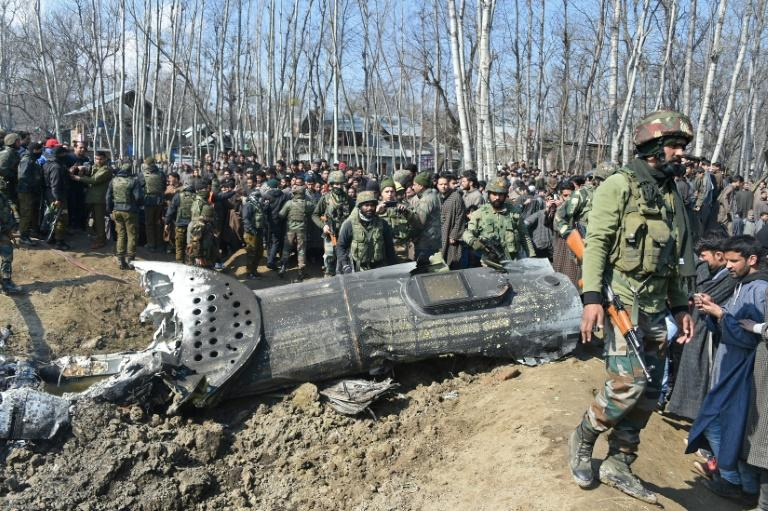 An Indian Air Force helicopter crashed on February 27 as Indian and Pakistani aircraft engaged in dogfights over Kashmir (AFP Photo/Tauseef MUSTAFA)