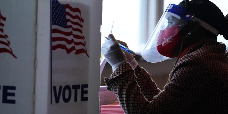 A Missouri poll worker who tested positive for COVID-19 worked on Election Day despite being told to quarantine. The worker later died and officials are scrambling to find who was in contact with them.