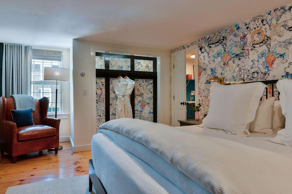 "<p><a href=""https://www.unioninn.com/index.aspx"" rel=""nofollow noopener"" target=""_blank"" data-ylk=""slk:Union Street Inn"" class=""link rapid-noclick-resp"">Union Street Inn</a> offers the best of Nantucket right at your fingertips—where better else than a fabulously restored, 18th-century whaling captain's home? This award-winning B&B is mere steps away from the historic cobblestone streets of downtown and features uniquely Nantucket-styled rooms. </p><p>Cozy sitting areas, fireplaces, a made-to-order hot breakfast, and traditional elegance will sure make this place feel like home in mere minutes. </p>"