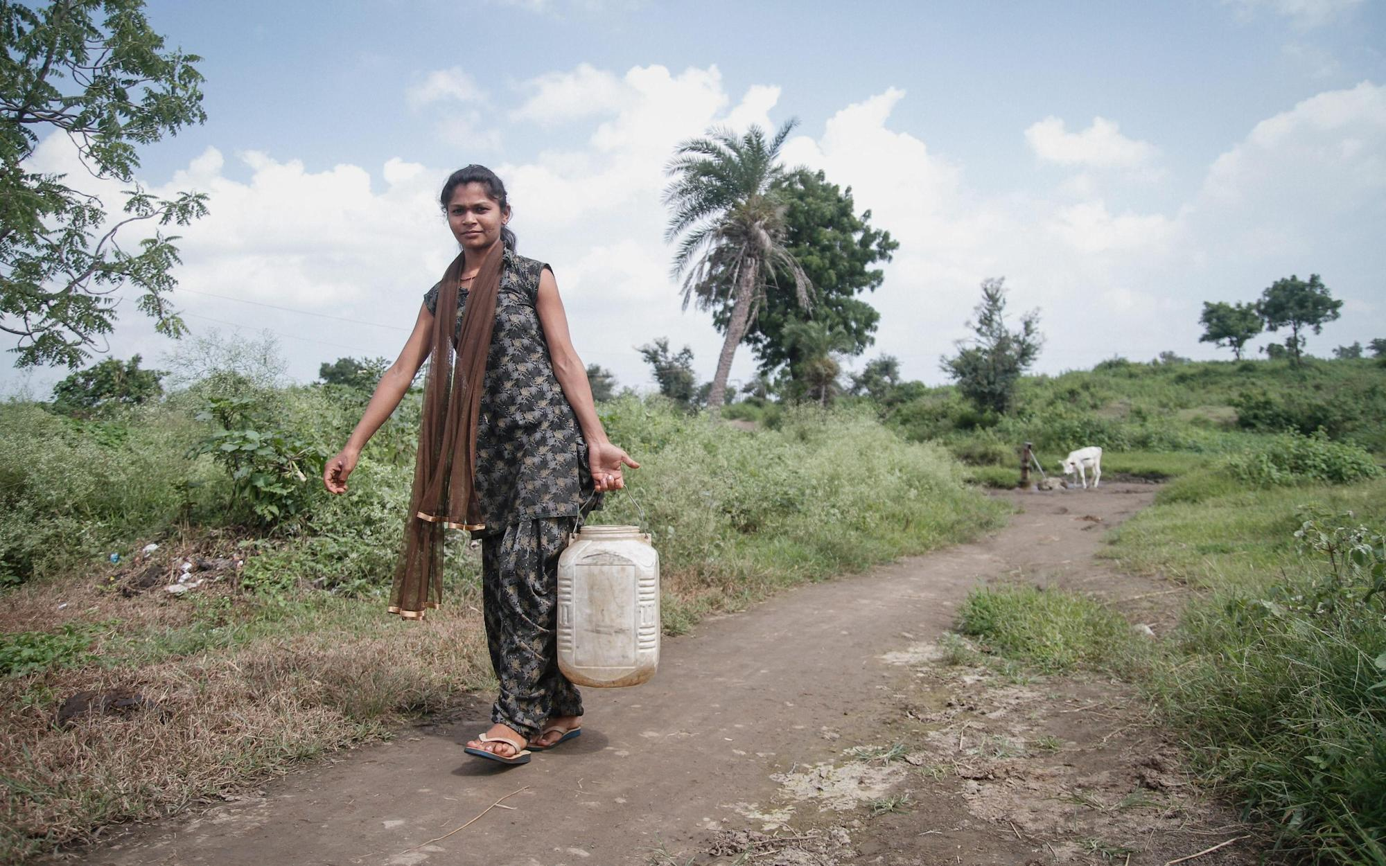 Collecting drinking water can cause serious injury and disproportionately affects women, study finds