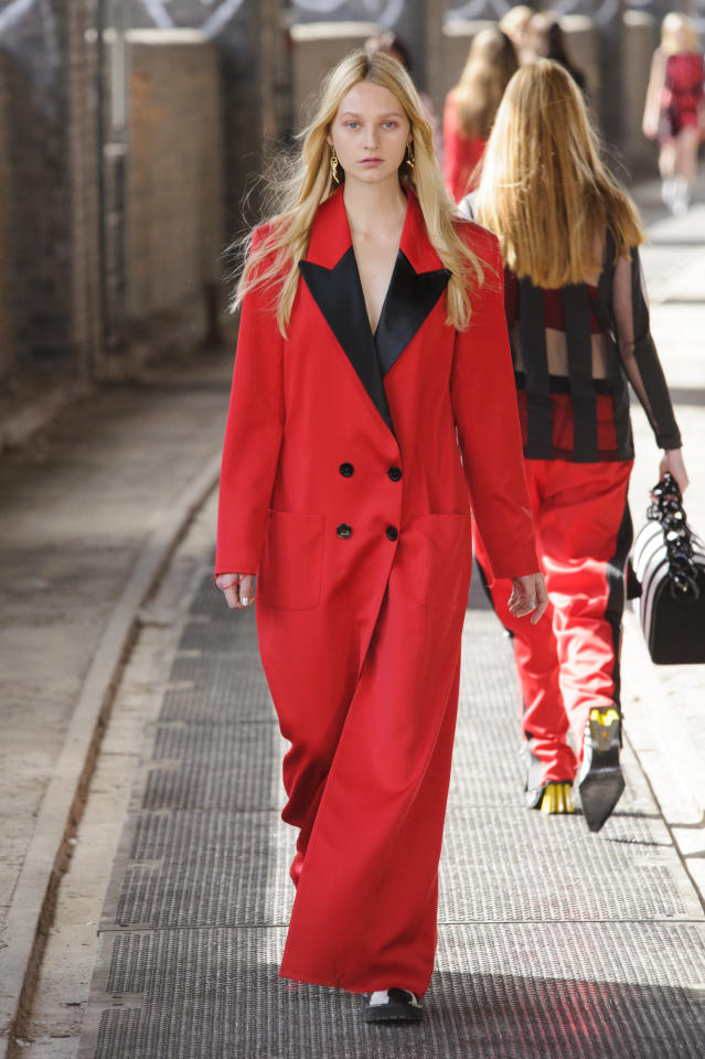 <p><i>Model wears a crimson-red tuxedo coat. (Photo: ImaxTree) </i></p>