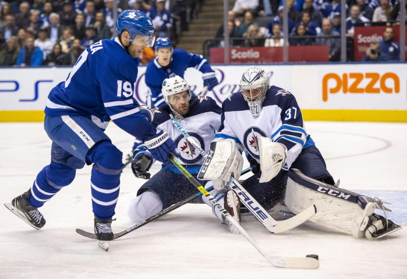 Wheeler leads Jets to 4-3 shootout win over Maple Leafs