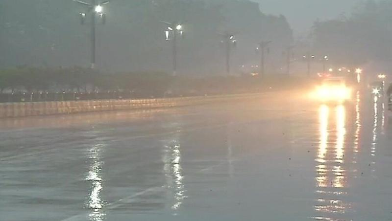 Delhi Weather Forecast: Monsoon Likely to Reach in Next Few Days, Rain, Thunderstorm and Gusty Winds Expected on Monday