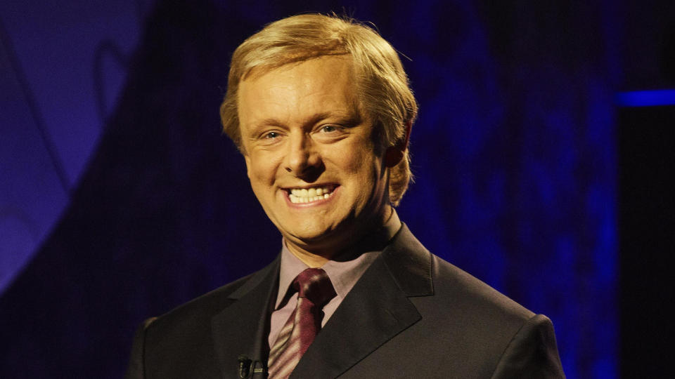 Michael Sheen as 'Who Wants To Be a Millionaire?' host Chris Tarrant in 'Quiz'. (Credit: ITV)
