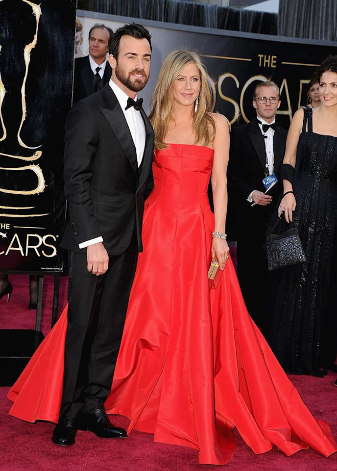 Justin Theroux and Jennifer Aniston arrive at the Oscars in Hollywood, California, on February 24, 2013.