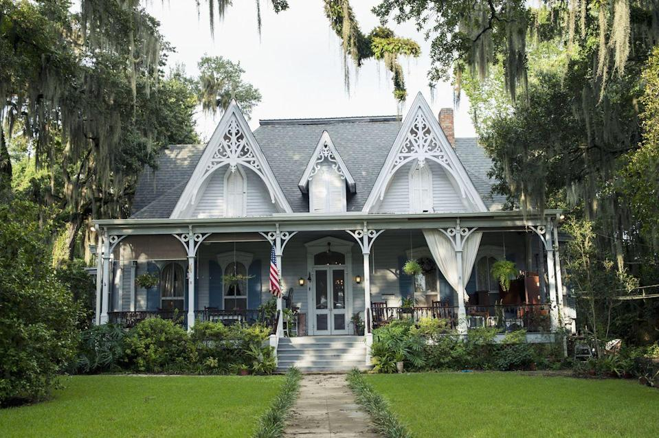 """<p>There's always a beautiful home around the corner in this small town of about 1,700. Residents have an action-packed social calendar, thanks to the unusual array of festivals, saluting everything from <a href=""""http://stfrancisvillefestivals.com/features/feliciana-hummingbird-celebration"""" rel=""""nofollow noopener"""" target=""""_blank"""" data-ylk=""""slk:hummingbirds"""" class=""""link rapid-noclick-resp"""">hummingbirds</a> to the writer <a href=""""http://stfrancisville.us/16-monthly-articles/70-2017-june-percy"""" rel=""""nofollow noopener"""" target=""""_blank"""" data-ylk=""""slk:Walker Percy"""" class=""""link rapid-noclick-resp"""">Walker Percy</a> (which includes walking bourbon tastings). Out-of-towners will love staying at the gingerbread-trimmed <a href=""""http://www.stfrancisvilleinn.com/"""" rel=""""nofollow noopener"""" target=""""_blank"""" data-ylk=""""slk:St. Francisville Inn"""" class=""""link rapid-noclick-resp"""">St. Francisville Inn</a>.</p><p><a href=""""https://www.housebeautiful.com/design-inspiration/house-tours/g4223/melissa-rufty-louisiana-house/"""" rel=""""nofollow noopener"""" target=""""_blank"""" data-ylk=""""slk:Tour a sassy Louisiana home »"""" class=""""link rapid-noclick-resp""""><em>Tour a sassy Louisiana home »</em></a></p>"""