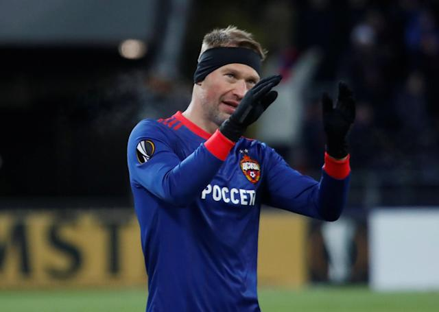 Soccer Football - Europa League Round of 32 Second Leg - CSKA Moscow vs Red Star Belgrade - VEB Arena, Moscow, Russia - February 21, 2018 CSKA Moscow's Vasili Berezutski applauds fans after the match REUTERS/Maxim Shemetov