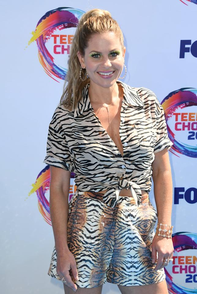 <p>Candace Cameron-Bure's eye shadow was a striking slime green for the award ceremony.</p>