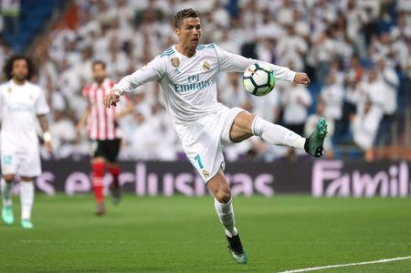 Soccer Football - La Liga Santander - Real Madrid vs Athletic Bilbao - Santiago Bernabeu, Madrid, Spain - April 18, 2018 Real Madrid's Cristiano Ronaldo in action REUTERS/Susana Vera
