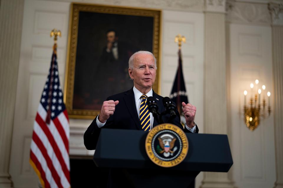 Joe Biden on Wednesday signed an executive order on the economy and reversed a Trump immigration policy (EPA-EFE)