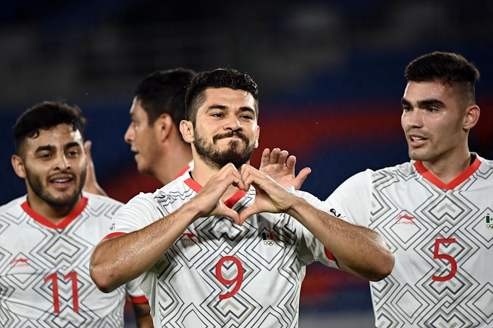 Mexico's forward Henry Martin (C) celebrates after scoring a goal during the Tokyo 2020 Olympic Games men's quarter-final football match between Republic of Korea and Mexico at Yokohama International Stadium in Yokohama on July 31, 2021. (Photo by Lionel BONAVENTURE / AFP) (Photo by LIONEL BONAVENTURE/AFP via Getty Images)