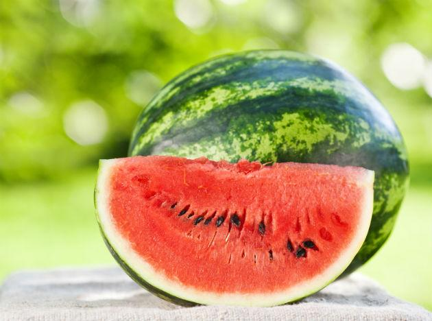 <p><strong>Melon</strong><br /><br />If you think your bloating is a result of fluid retention eat some foods that contain high amounts of water, such as melon. Foods with high levels of water are fantastic at reducing the symptoms of water retention and constipation because water is a diuretic (this means it makes you pee more).<br /><br />The high water content present in melon has other benefits too. Bloating can be the result of dehydration. Therefore, by tucking into this fruit you are rehydrating yourself, hopefully to the point that you conquer that bloat.<br /><br /><strong>How to eat it:</strong> Chop up watermelon and honeydew melon and pour over some natural yoghurt.</p>