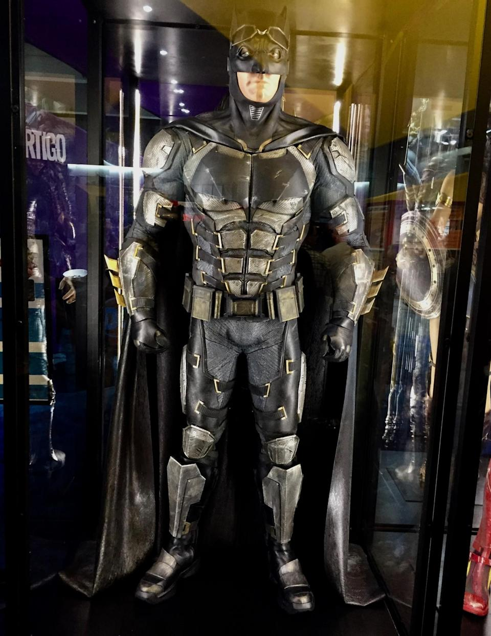 <p>Ben Affleck's Bruce Wayne has made some modifications to his Caped Crusader costume. (Photo: Marcus Errico/Yahoo Movies) </p>
