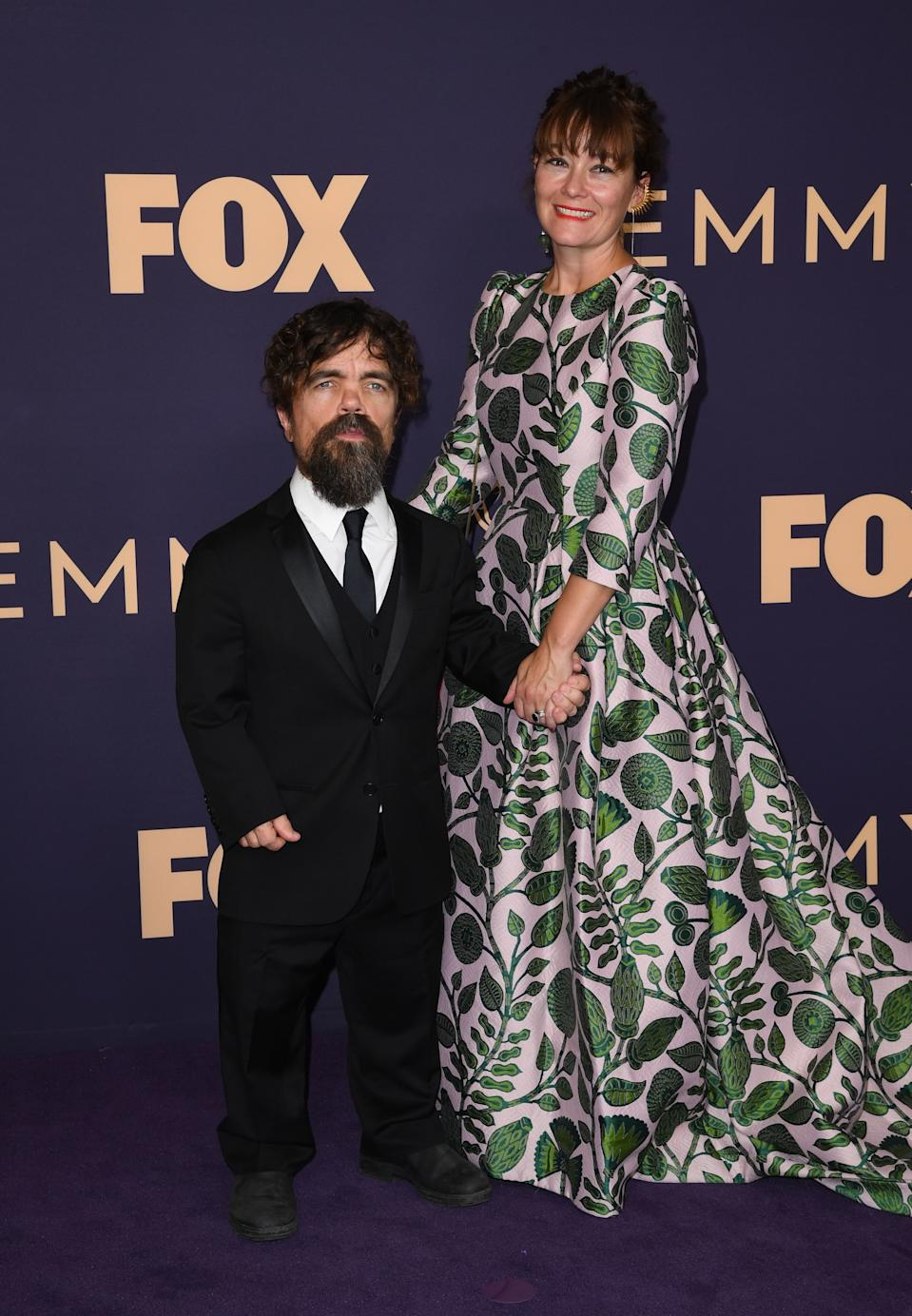 """<h1 class=""""title"""">Peter Dinklage and Erica Schmidt</h1><cite class=""""credit"""">Photo: Getty Images</cite>"""