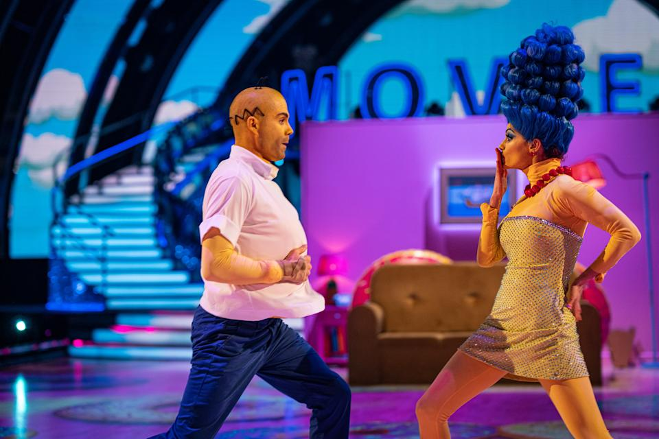 Max George and Dianne Buswell as Homer and Marge Simpson for Strictly's Movie Week. (BBC/Kieron McCarron)