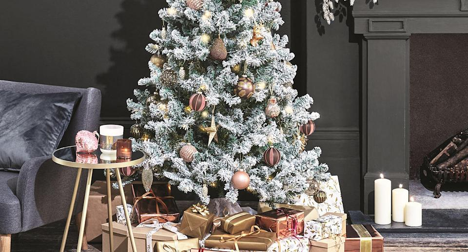 Marks & Spencer's top-rated artificial trees for 2020. (Marks & Spencer)