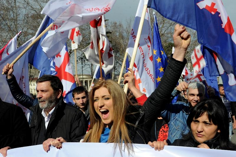 Supporters of former Georgia's president Mikhail Saakashvili's United National Movement take part in a rally in Tbilisi on March 21, 2015 (AFP Photo/Vano Shlamov)