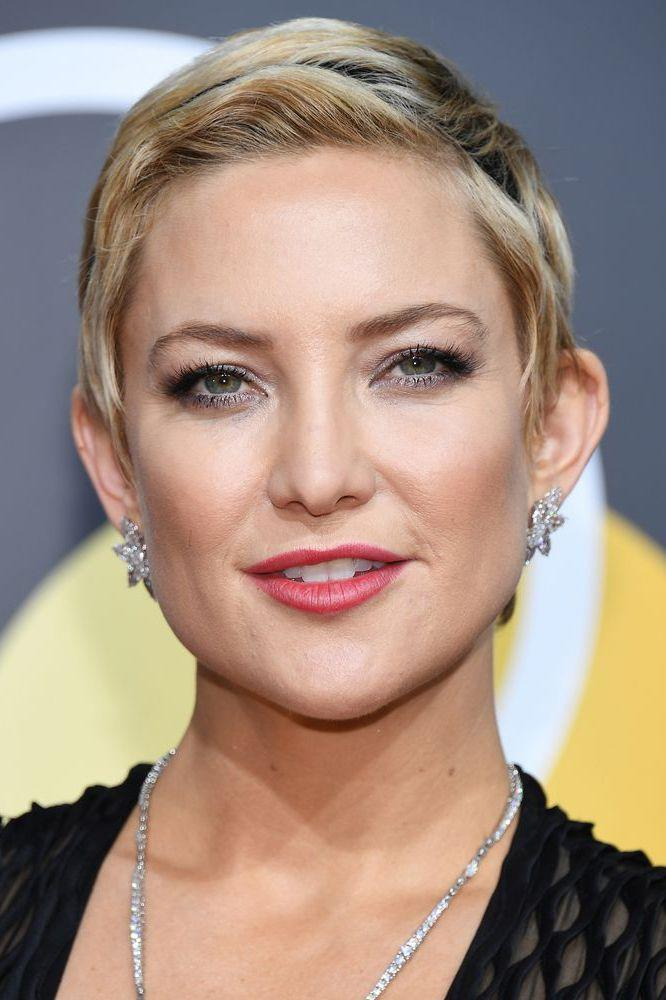 <p>After working an au naturel light brown buzzcut for the past couple of months, Kate Hudson's now rocking the chicest blonde pixie crop ever.</p>