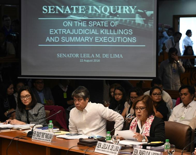 After being elected to the Senate, De Lima led an inquiry into the thousands of people killed by police in an anti-drugs war