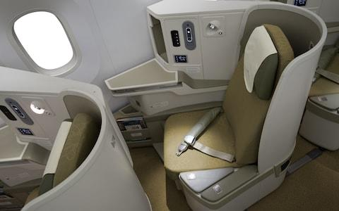 Vietnam Airlines: Boeing 787-9 Dreamliner business-class review cabin