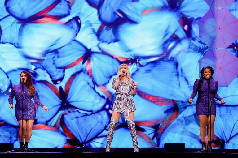 """The """"Singles' Day"""" even was kicked off with a show by US superstar Taylor Swift (AFP Photo/STR)"""