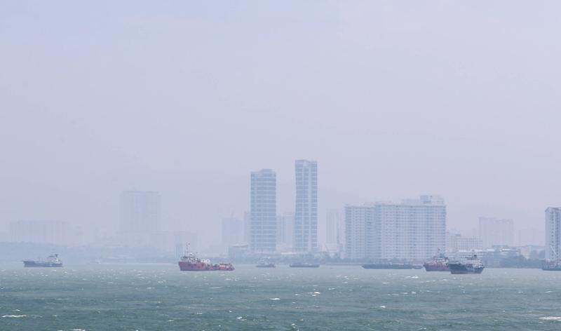 Penang is shrouded in haze, as seen in Butterworth on August 15, 2018. — Picture by Sayuti Zainudin